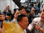 長谷部健氏新区長に 若年層中心に幅広い支持集める